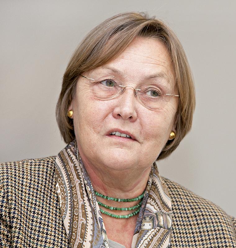 Mag. Dr. Ursula Heck
